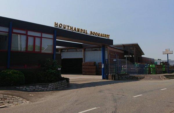 Lokaal op 1 stel raadsvraag over asbestbedekking Houthandel Boogaerdt